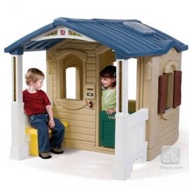 Детский домик с крыльцом